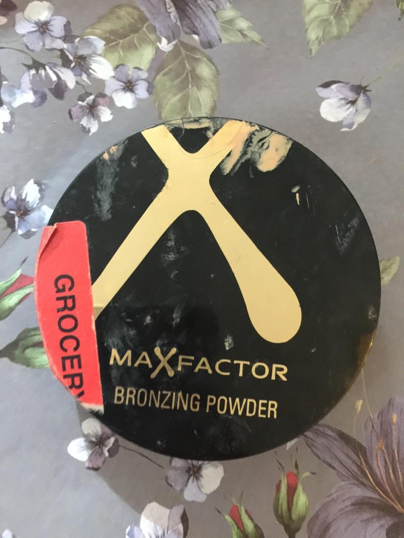Thursday – max factor bronzing powder in shadegolden